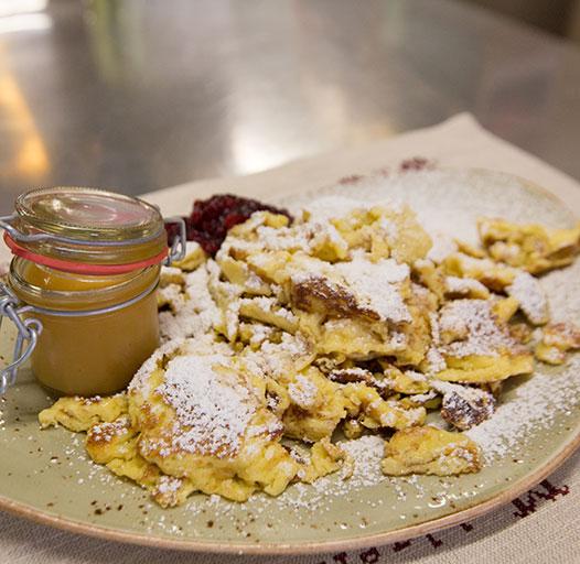 Bergrestaurant mit regionalen Spezialitäten – Kaiserschmarren